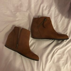 Women's size 7.5 booties w/ real leather upper